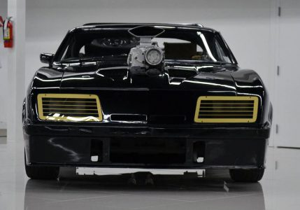 fff-mad-max-1973-xb-falcon-gt-head-on