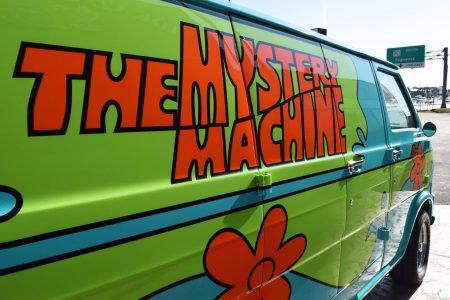 fff scooby doo mystery machine close up